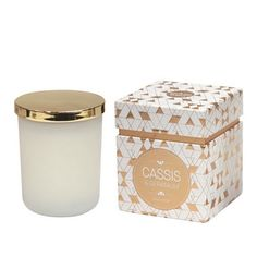 Get your valentine the sweetest smelling gift :) With delicious cassis & geranium scents encased in a white votive with a gold lid - this candle from Me & My Trend screams perfection! And to top it off it's packaged in a stunning white and gold box. Just $32 at For Keeps #valentine #valentines #valentinesgift #gift #homedecor #candles #scentedcandles #forkeepsstore