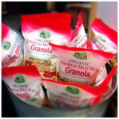 Start you day right! Granola, Food Inc, Biologique, Fruit, Healthy Eating, Tropical, Organic, Breakfast, Eating Healthy