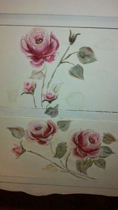 Hand painted shabby roses- I must learn to do this for the floor in my Pink Room