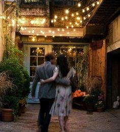 """Freemans Restaurant: """"Urgemütlich, ultrahip, feine Marktküche. In einem alten, grossen Holzhaus in einem Hinterhof ist dies eines der angesagtesten Restaurants bei den Locals. Tolle, kosmopolitische Atmosphäre, New York, wie es leibt & lebt"""""""