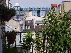 Le Marais - Centre Pompidou. Appartement de charme lumineux en duplex avec terrasse/ Charm and bright apartment in duplex with terrace