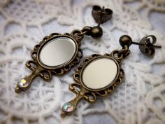 """Ohrringe """"Spiegel"""" mit echtem Spiegelglas von Julihörnchens Schatzkiste auf DaWanda.com #Ohrringe #victorian #jewelry #spiegel #Schmuck #dawanda #Geschenk #viktorianisch #gothic"""