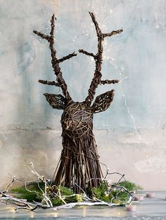 Beautifully crafted from natural willow, our large lightweight woven deer head makes a brilliant hanging decoration for your mantelpiece, wall or porch. The perfect companion for our best-selling Whimsical Willow Deer, add an extra festive touch by teaming with our Naked Wire Lights.