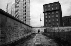 Berlin (1989) / photo by Libuse Jarcovjakova