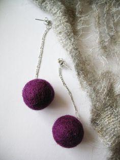Long studs earrings with purple felt wool balls by DemyBlackDesign