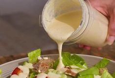 vegan caesar salad dressing recipe you will ever taste. So rich, creamy and super delicious, it will make any salad taste amazing. Also great over potatoes and pasta.Vegan Caesar Salad Dressing - Forget the oil and no need for eggs or Vegan Sauces, Vegan Foods, Vegan Dishes, Sauce Salade Cesar, Cesar Salat, Raw Food Recipes, Vegetarian Recipes, Cooking Recipes, Healthy Recipes