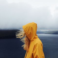 Raincoat | VSCO Grid | daylessday || complementary colors ya