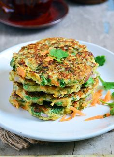 Easy moong dal chilla recipe: Crispy and delicious moong dal chilla,very healthy and wholesome moong dal savory pancakes,recipe @ http://cookclickndevour.com/moong-dal-chilla-recipe
