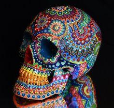 Marie-Pascale Gautheron es una artista plástica que actualmente reside en Lyon, Francia. Con una carrera en diseño gráfico y un máster en artes plásticas S67 #artesaniasmexicanasdiy