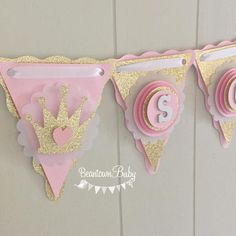 Pink and Gold Princess Banner, Princess Baby Shower Banner, Princess Theme Baby Shower, Birthday Princess Banner, Princess Banner Pink Baby Shower Centerpieces, Baby Shower Decorations, Baby Shower Princess, Princess Theme, Princess Birthday, Baby Shower Vintage, Diy Banner, Diy Birthday Decorations, Shower Banners
