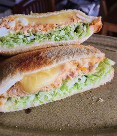 冷蔵庫にある材料で作る♡具だくさん「ホットサンド」15選 - LOCARI(ロカリ) Japanese Snacks, Japanese Food, Sandwiches, Sandwich Cake, Best Sweets, Aesthetic Food, Coffee Recipes, Korean Food, Food Design
