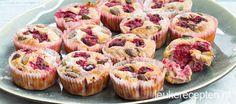 Vanillemuffins met frambozen en pistachenoten