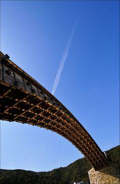 Kintaikyo Bridge, Yamaguchi, Japan: photo by Meipapa