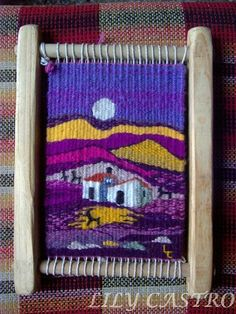 tejer en telar - Buscar con Google Weaving Textiles, Weaving Art, Weaving Patterns, Tapestry Weaving, Loom Weaving, Hand Weaving, Contemporary Tapestries, Small Tapestry, Weaving Wall Hanging
