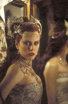 """Nicole Kidman, in """"Moulin Rouge"""", Moulin Rouge Film, Satine Moulin Rouge, Nicole Kidman Moulin Rouge, Glamour, Classy Halloween, Hollywood Costume, Movie Costumes, Showgirls, Vintage Hollywood"""