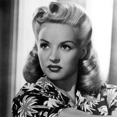 Happy birthday to the late Betty Grable! Born 18th December 1916, died 2nd July 1973. Betty was in the top ten box office stars for a record breaking 12 years in a row. She was the highest paid American woman of 1946-47 and the number one pin-up girl of World War II. Follow Weird Wonderful Women on Twitter - Weirderfulwomen #bettygrable #hollywood #broadway #movies #film #acting #actress #star #starlets #icon #iconic #beauty #ww2 #wwii #worldwartwo #pinup #pinupgirl #leadinglady #richlist…