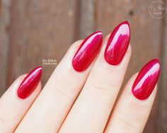 sally-hansen-miracle-gel-mad-woman-swatch-2 #nailpolish #rednails #stilettonails