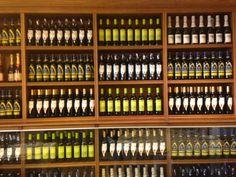 Disfrutando de una gran vinacoteca