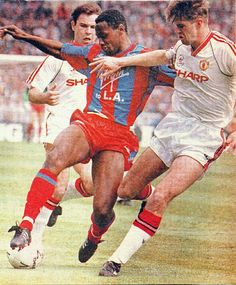 Crystal Palace 3 Man Utd 3 in May 1990 at Wembley. Ian Wright and Gary Pallister in action in the FA Cup Final.