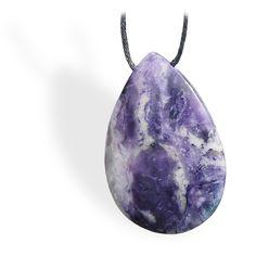 Cette pierre est très indiquée dans les périodes de changement, car elle aide à effectuer ces changements en douceur à la fois au niveau émotionnel et sur le plan matériel.