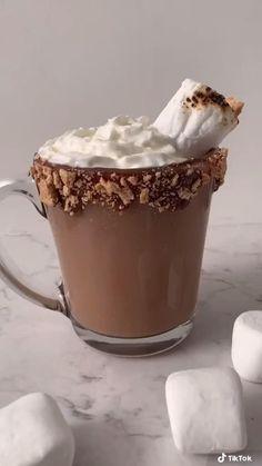 Coffee Drink Recipes, Starbucks Recipes, Graham Crackers, Princess Drinks, Bebidas Do Starbucks, Chocolate Marshmallows, Food Platters, Aesthetic Food, Dairy Free Recipes