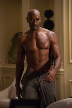 Pin for Later: The Hottest Shirtless Guys in Movies Morris Chestnut, The Best Man Holiday Those NFL workouts do Lance (Morris Chestnut) good.