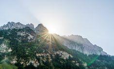 Sardona-Welterbe-Weg: schöne Wanderung vom Talalpsee nach Aeugsten Soundtrack, Mount Everest, Mount Rainier, Places To See, Beautiful Places, Wildlife, Hiking, Mountains, Nature
