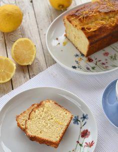 Kann es zu viele Zitronenkuchen-Rezepte geben? Nein! Ich habe zwar den weltbesten zitronigsten Zitronencake und weltbesten getränkten Zitronenkuchen 2.0 schon gebacken. Nun gibt's mit diesem getränkten Zitronen-Joghurt-Kuchen noch ein weiteres weltbestes Rezept.