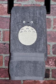 Totoro inspiré kawaii Noël cadeau salle de par QuantumStitching, $14.00