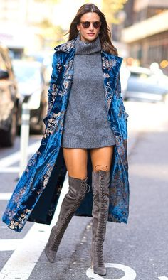 Alessandra Ambrosio blue Velvet coat Street Style in NYC today. The beauty looks so stunning when she in Ralph Lauren Fall Collection embroidered blue… Mode Outfits, Fashion Outfits, Womens Fashion, Fashion Tips, Fashion Websites, Office Outfits, Ladies Fashion, Fashion Bloggers, Fashion Trends