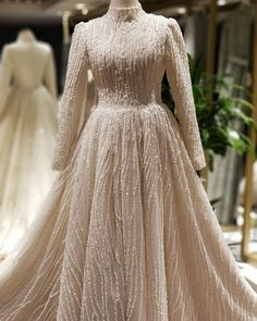 Hijab Evening Dress, Hijab Dress Party, Dream Wedding Dresses, Wedding Gowns, Prom Dresses, Formal Dresses, Hijab Fashion, Fashion Dresses, Beautiful Dresses