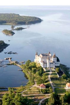 Läckö Slott, a medieval baroque castle on the shores of Vänern, the largest lake in Sweden Places Around The World, Oh The Places You'll Go, Places To Travel, Places To Visit, Around The Worlds, Beautiful Castles, Beautiful Places, Sweden Stockholm, Voyage Suede