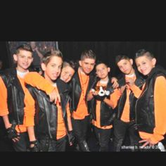 The Boys At Ends Of Both R Spiky Mikey On Right And Left Is Vinney Please Let Me Know Witch One Them You Like
