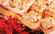 Ribiselschaumschnitte mit Knusperstreusel Bakery, Cheesecake, Pie, Gluten Free, Desserts, Tricks, Food, Vanilla Cream, Almonds