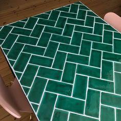 Leftover Tile, Tile Tables, Herringbone Tile, Diy Drawers, Flat Ideas, Diy Interior, Diy Furniture, Home Improvement, Diy Home Crafts