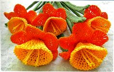 crochet daffodils - description is in Russian, but there are graffic patterns