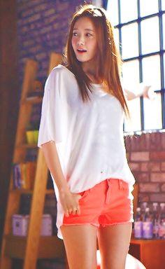 Yoona of Girls Generation   Beautiful Korean Artists  #streetstyle