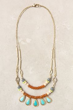 I don't have many necklaces that are simultaneously this delicate and this bright. It's quite tempting.