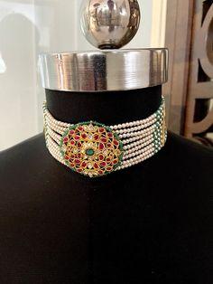 Royal Jewelry, Gold Jewelry, Beaded Jewelry, Beaded Necklace, Necklaces, Indian Jewellery Design, Indian Jewelry, Prawn Dishes, Rajputi Jewellery