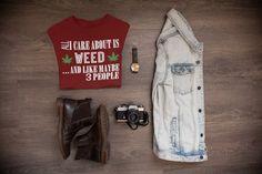 Wake and Bake Morning Sun Weed Pot Marijuana Vape High Lazy Men/'s V-Neck T-Shirt
