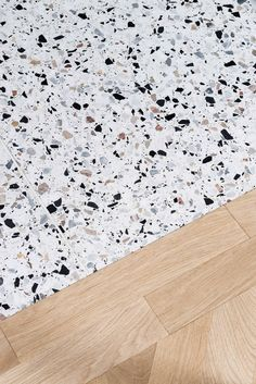 terazzo floor Attico Alla Ca Brutta - Picture gall - flooring Terrazzo, Küchen Design, Floor Design, House Design, Terrazo Flooring, Floor Patterns, Floor Finishes, Cafe Interior, Pent House