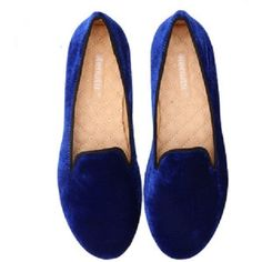 girl's royal blue shoes