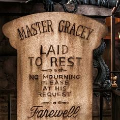 Creepy fact: Imagineer Yale Gracey created many on the effects for the haunted mansion. Sadly he and his wife were murdered during a burglary in their house...
