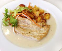 Denné menu Vranov   Grilovaný kurací plátok so sladko-kyslým veloute, opekané zemiaky - reštaurácia Hotel Patriot*** #hotel #restaurant