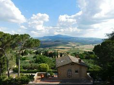 Pienza Italian Life, Under The Tuscan Sun, What To Pack, Travel Bugs, Italy Travel, Cool Places To Visit, The Good Place, Traveling, Beautiful