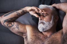 Bearded dreams White Hair Men, Men With Grey Hair, Grey Hair Beard, Man Hair, Silver Foxes Men, Bearded Tattooed Men, Bearded Men, Beard Images, Badass Beard