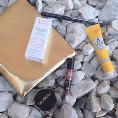 The week of subscription boxes continues!  Today I'm reviewing my very golden ipsy glam bag. Link in bio!  #blog #beauty #bblog #bblogger #bbloggers #beautyblog #beautiful  #beautyblogger #chat  #subscriptionboxes #sub #haul #subbox #unbox  #makeupaddict #makeupoftheday #love #happy #yay #instagood #cute #follow #comment #photooftheday #picoftheday #relaxing #ipsy #ipsyglambag by shalott
