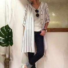 2017.4.24 AGNOST Stripe Long Shirt 12000tax Color:ベージュブルー (着用colorブルー)  ルーズなシルエットのシャツ サッと羽織れる羽織が重宝する季節がやってくる( )و さらっとした素材感やデニムに合わせて着たりワンピースとしても着用可能 今年のマストアイテム ロングシャツ ネットにも載せてまーす 可愛いから今日のウィンドーもこのコーデ  #今日のコーデ #今日の服 #ootd #outfit #agnost #シャツコーデ #シャツワンピ #ストライプシャツ #ロングシャツ #shirtcoordinate #coordinate #shirtonepiece #大人可愛い #大人カジュアル #大人ファッション #デニムコーデ #denim #denimcoordinate #styling #casual #fashion #吹田市 #セレクトショップアンスリール #セレクトショップunsourire #unsourire #unsourireコーデ #関大前セレクトショップ
