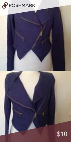 XOXO SM Navy Linen Blazer This navy blue linen blazer has never been worn. It has thin shoulder pads, lining throughout, and zippers at the end of each sleeve. Zippers diagonally across chest. Asymmetrical hem line. XOXO Jackets & Coats Blazers