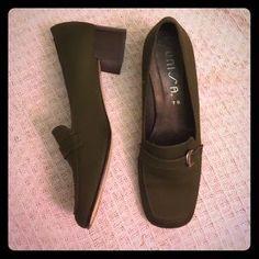 Unisa Shoes - Unisa Size 7B Shoes